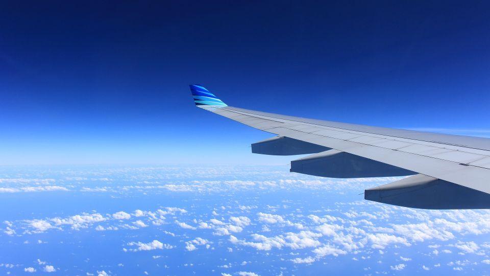 Pierwsza podróż samolotem. Jak przygotować się do lotu?